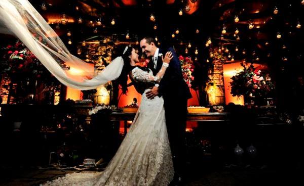 Casamento de Thais e Joao no Jardins do Alto - foto Carolina Cattan
