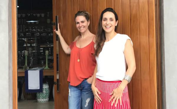 Gabriela Goulart e Paula Parkinson da Essencial etc