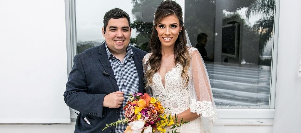 O decorador e cerimonialista Rodrigo Santiago organiza o Mini Wedding Day em Niterói. Foto: Thiago Herdy