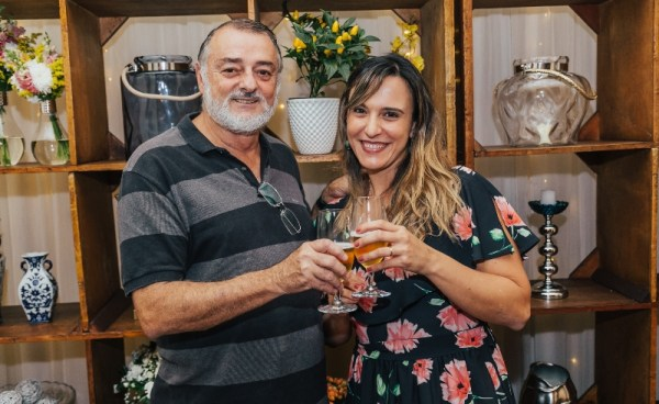 Celso Guimarães, da Mineirart, e Daniela Berger, da La Reserva Decorações. Foto: Thiago Herdy