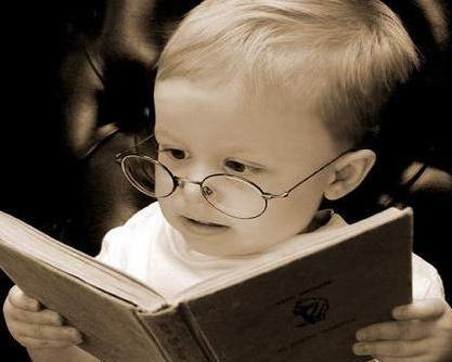 bebe-lendo-livro
