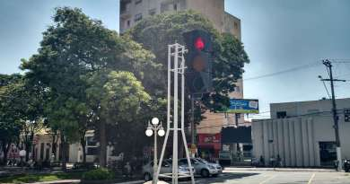 itu semaforo gigante