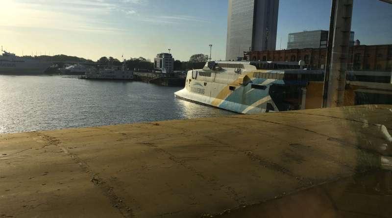 balsa de buenos aires para colonia no uruguai buquebus