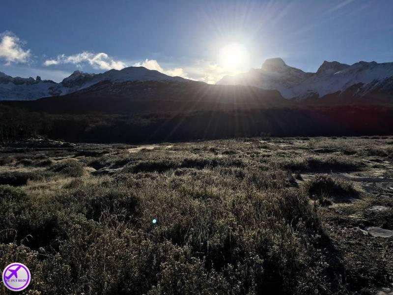 Sol Nascendo na trilha da Laguna Esmeralda e m Ushuaia