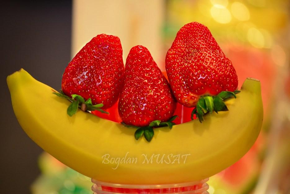 Un zambet ...fructat
