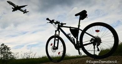 O bicicleta pandeste avioane