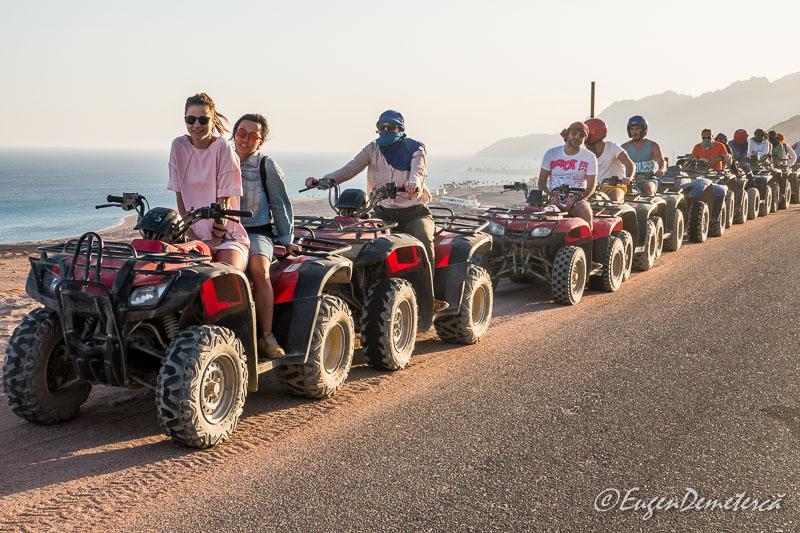 ATV uri la margine de sosea Egipt - Egipt, destinaţia pentru vacanţe exotice la super-preţuri!