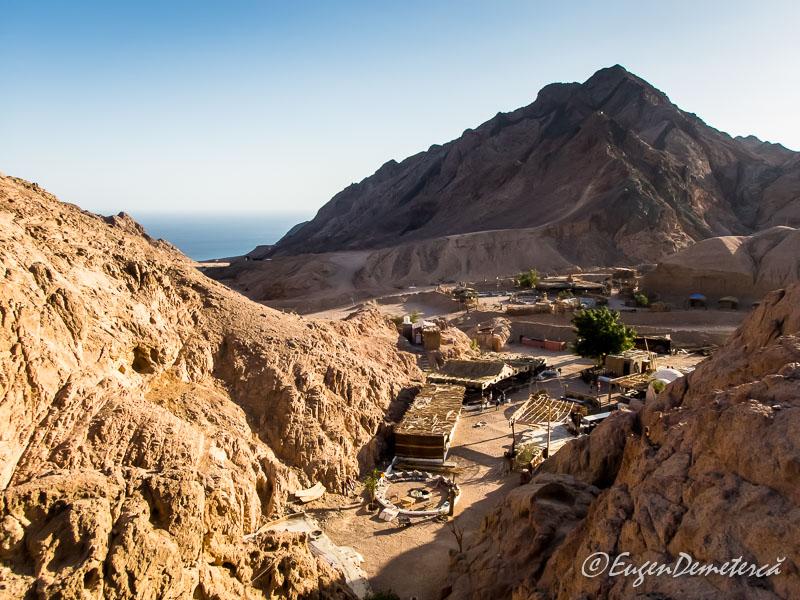 Colored canyon - Egipt, destinaţia pentru vacanţe exotice la super-preţuri!