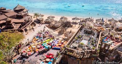 Featured image Egipt 2 1 - Egipt, destinaţia pentru vacanţe exotice la super-preţuri!