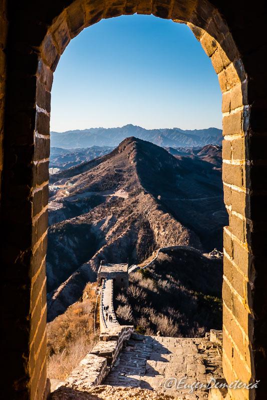 Marele Zid Chinezesc - Simatai prin fereastra