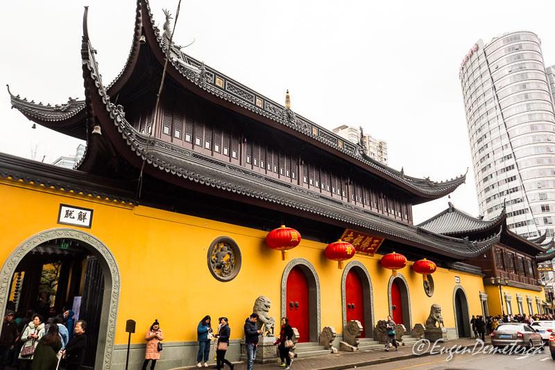 Shanghai - intrarea in Templul lui Buddha de Jad