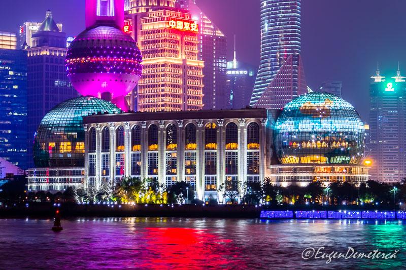 Shanghai - zgarienori noaptea pe Bund nghai -noaptea pe Bund detaliu