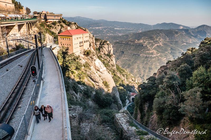 Montserrat - statie telecabina si funicular 2