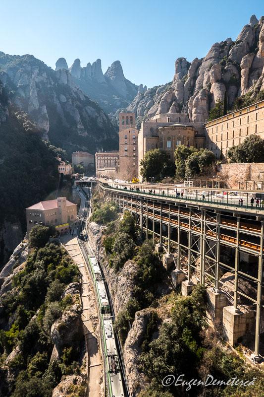Montsserat - manastirea din muntii cu stalpi de piatra