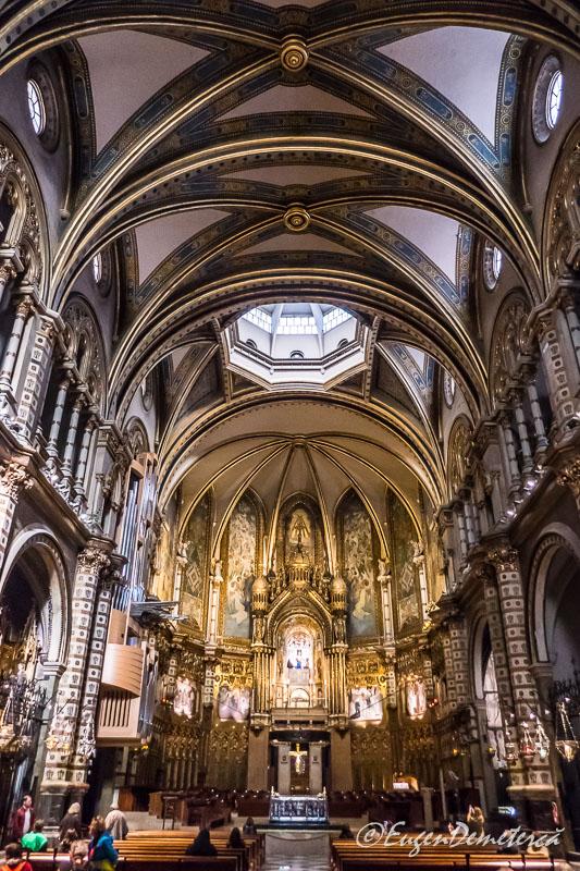 Montsserat - interior bazilica