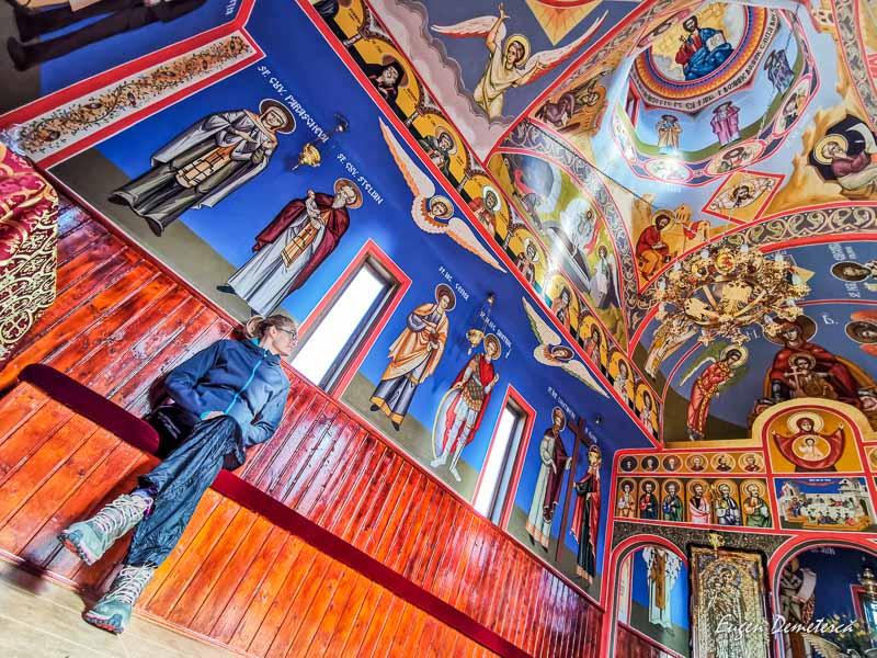 Interior biserica de la Casa David