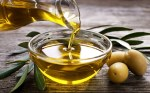 Picture of olives and olives oil
