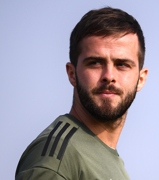 Juventus' midfielder Miralem Pjanic of Bosnia-Erzegovina attends a training session on the eve of the UEFA Champions League football match Sporting CP Vs Juventus on October 30, 2017 at the Vinovo training camp near Turin. / AFP PHOTO / MARCO BERTORELLO (Photo credit should read MARCO BERTORELLO/AFP/Getty Images)