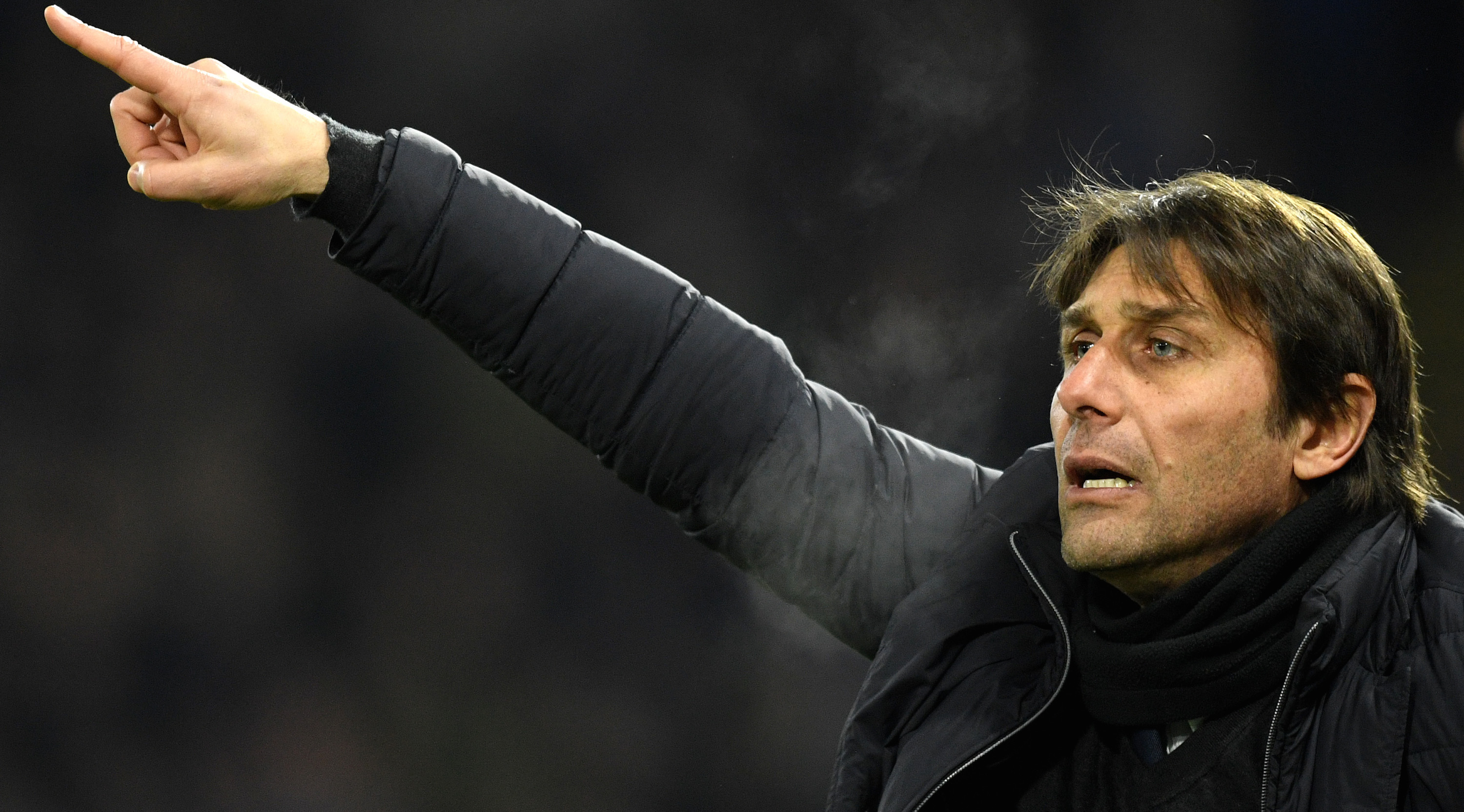 WATFORD, ENGLAND - FEBRUARY 05: Antonio Conte, Manager of Chelsea reacts during the Premier League match between Watford and Chelsea at Vicarage Road on February 5, 2018 in Watford, England. (Photo by Michael Regan/Getty Images)