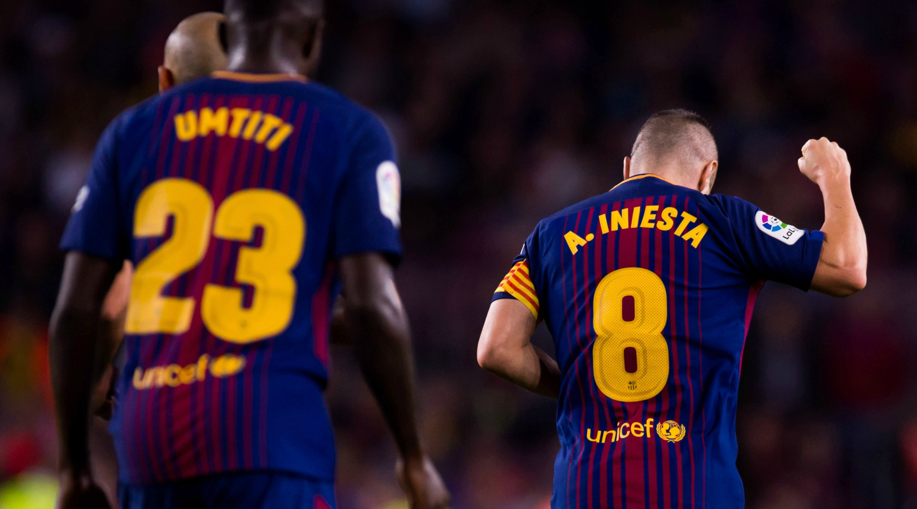 BARCELONA, SPAIN - OCTOBER 21: Andres Iniesta of FC Barcelona celebrates after scoring his team's second goal during the La Liga match between Barcelona and Malaga at Camp Nou on October 21, 2017 in Barcelona, Spain. (Photo by Alex Capaeros/Getty Images)