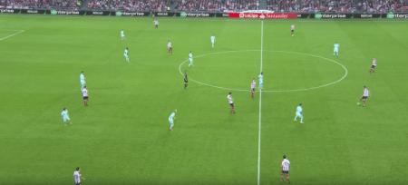 - La disposición del mediocampo del Barça sin balón. -