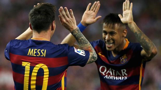 Messi y Neymar celebrando un gol con la camiseta del Barça.