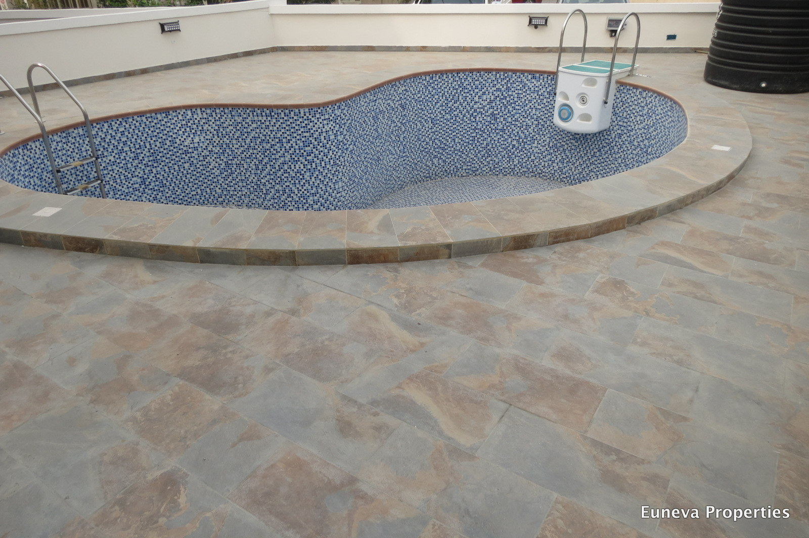 Newly Built Luxury 5 bedroom Detached House in Lekki County Homes with Swimming Pool