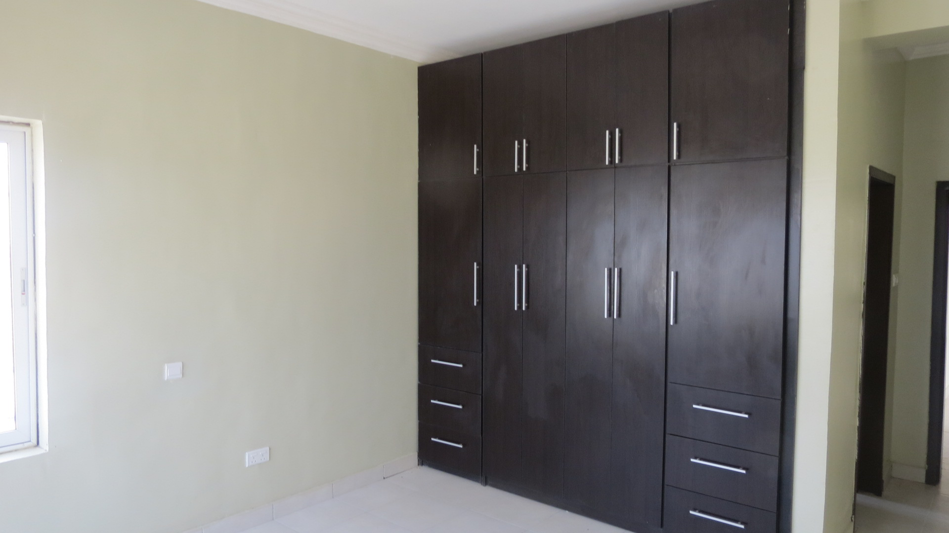 Fully Fitted 3 Bedroom Flat in Pinnock Beach Estate For Sale