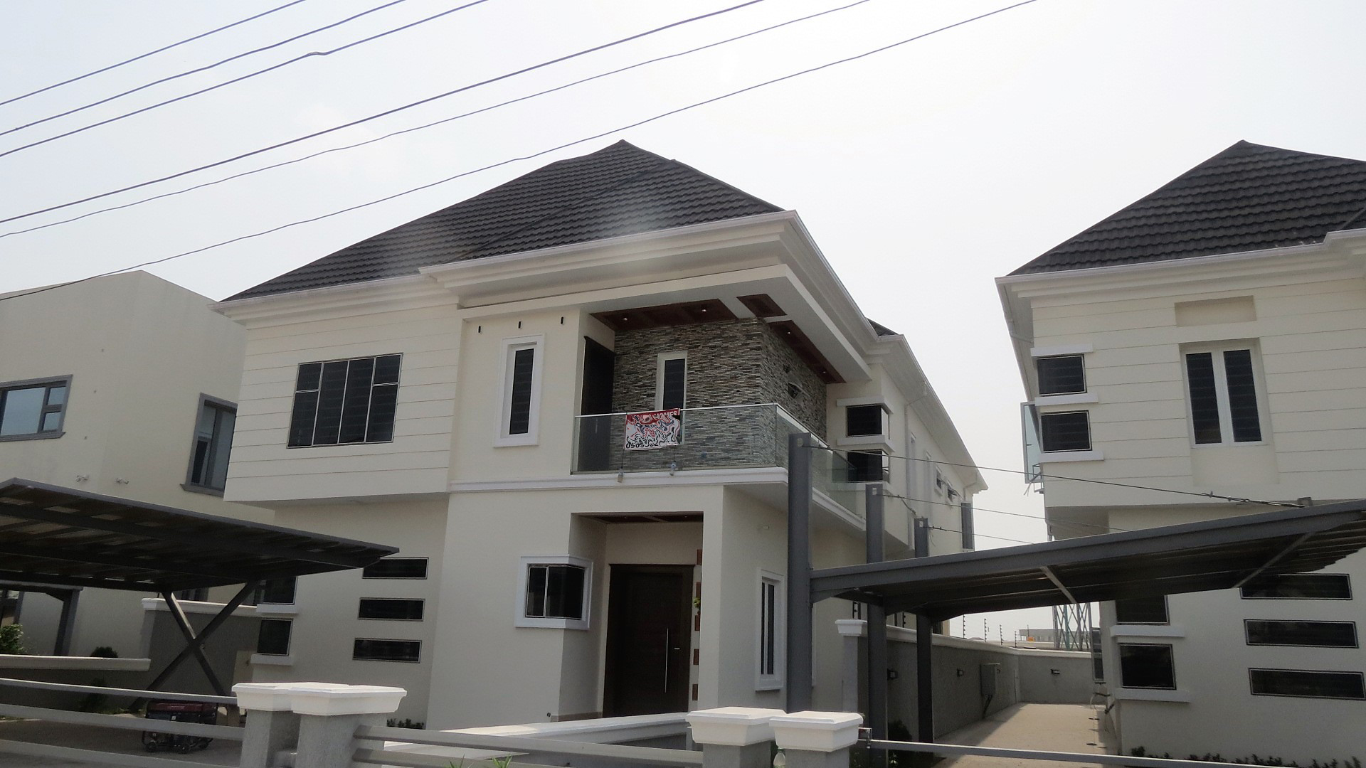 Brand New Luxury 5 Bedroom Duplex For Sale in A secured Estate in Lekki