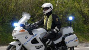 betjent på motorcykel