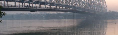 Howrah bridge, dawn in Kolkata (2012/11/26)