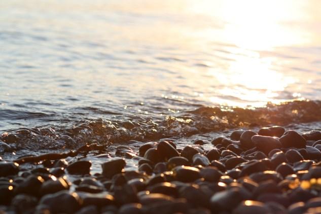 Licht, Steine, Wasser... Baden am Bodensee.