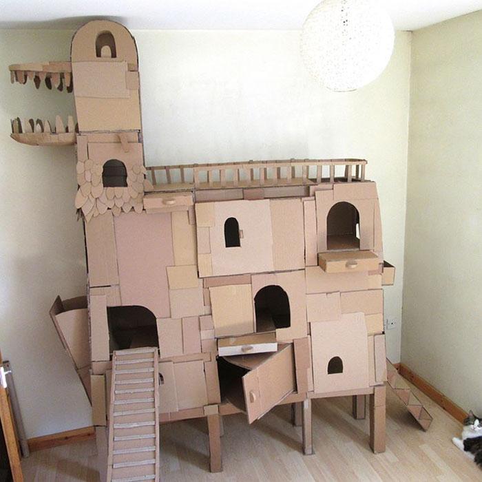 ダンボールの砦