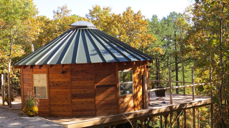 Pine View Yurt with the 5' skylight open.