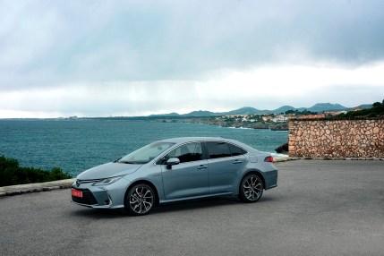 corolla-sedan-1.8l-grey-2019-006-619824