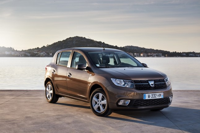 84484_2016_-_New_Dacia_Sandero_tests_drive_in_Croatia