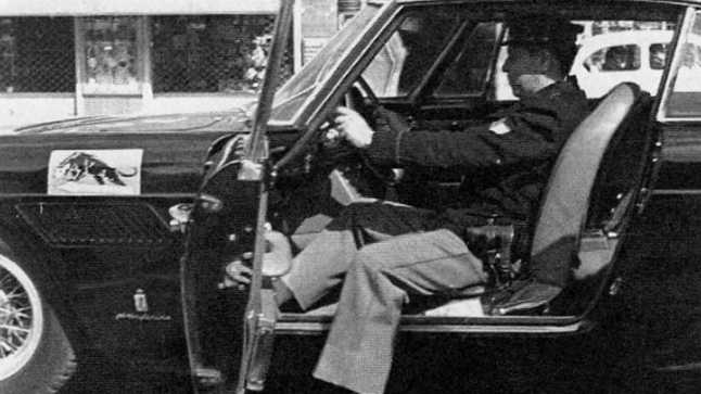 1962-ferrari-250-gte-2-2-police-car11