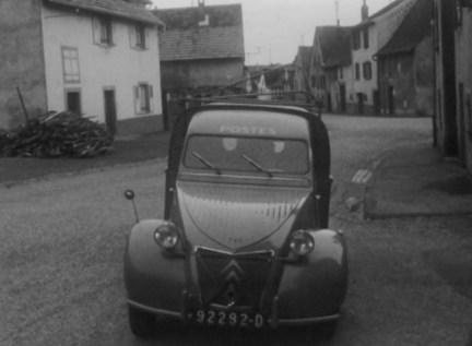 CITROEN_ORIGINS_ARCHIVES_INA_La_tournege_du_facteur_de_Saverne_en_2CVfourgonnette_en_1962