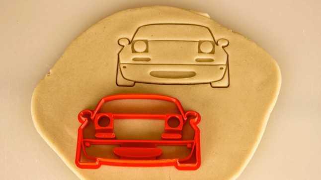 car-themed-cookie-cutters---mazda-mx-5-miata33