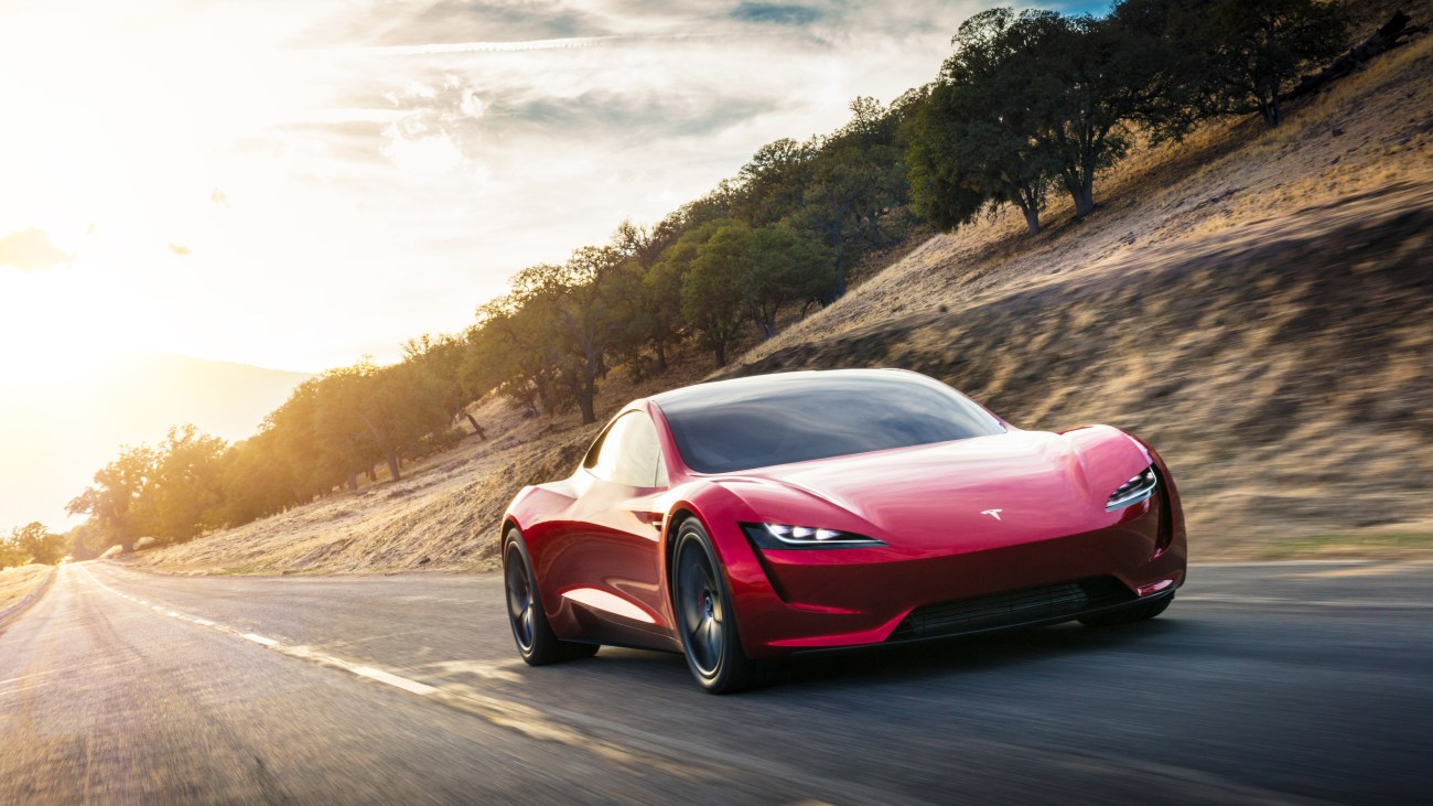 Roadster_Front_3_4
