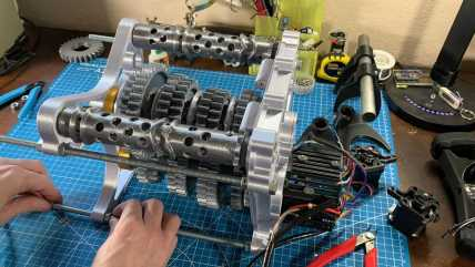 3d-printed-f1-style-gearbox2