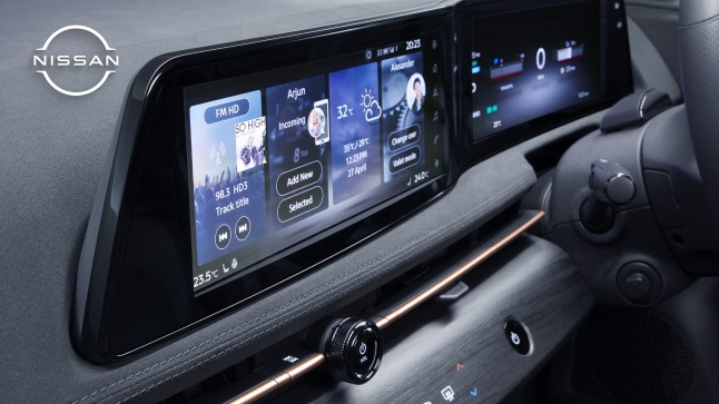NissanAriya_Zoombackground_Interior_12_3_inch_display_