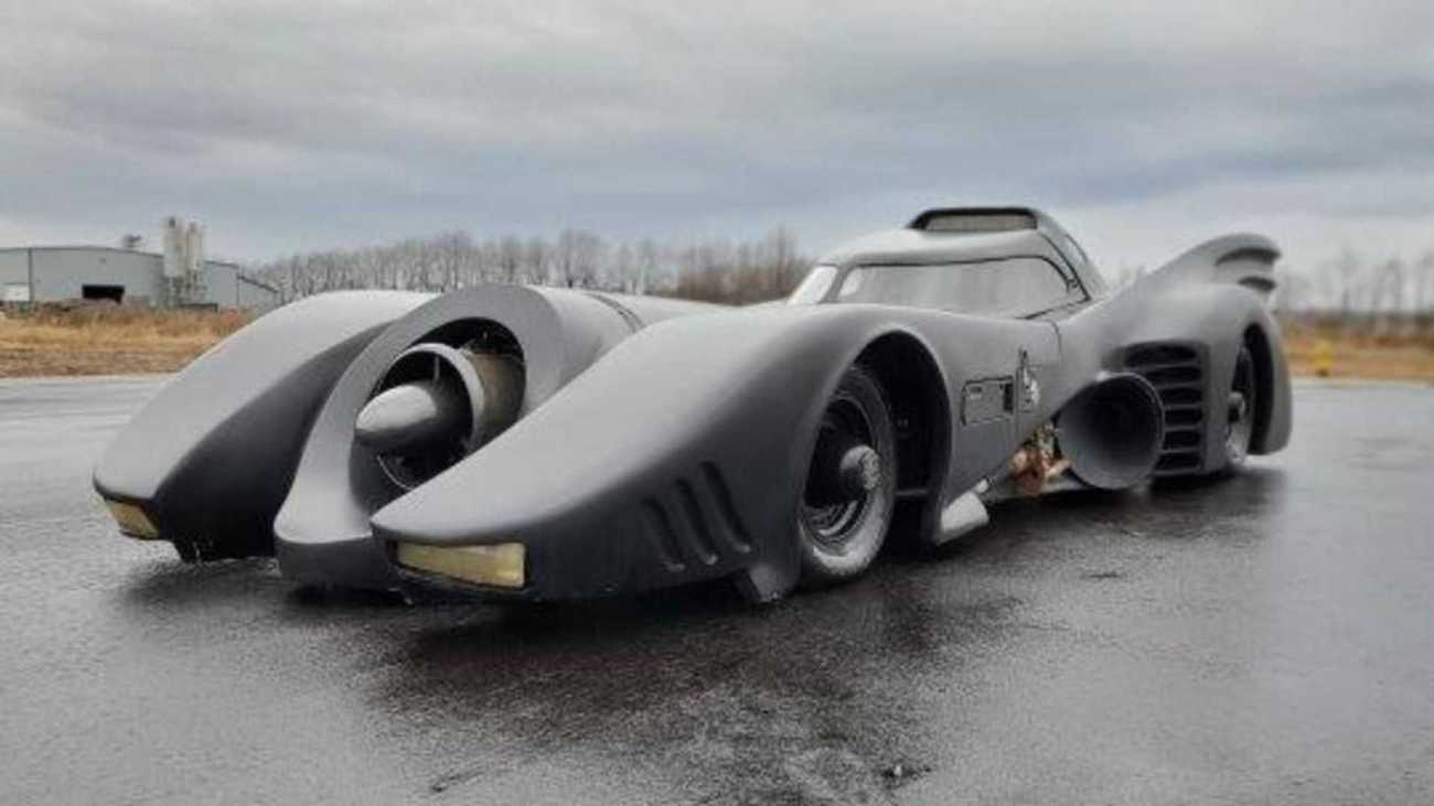 batmobile-ectomobile-delorean-head-to-auction8