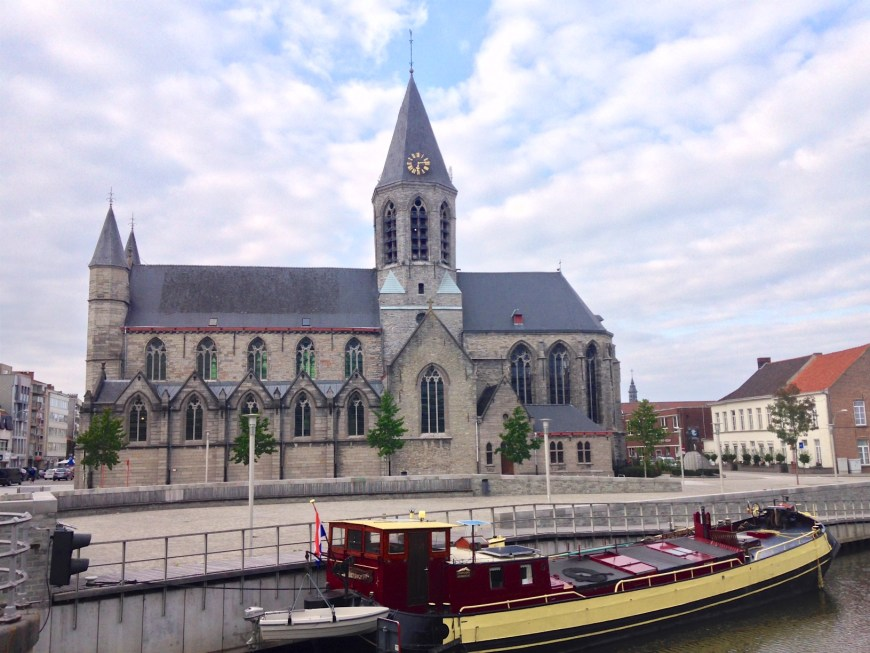 The lovely tjalk owned by Heinz who helped design the quay and the Church of Our Lady at Deinze.