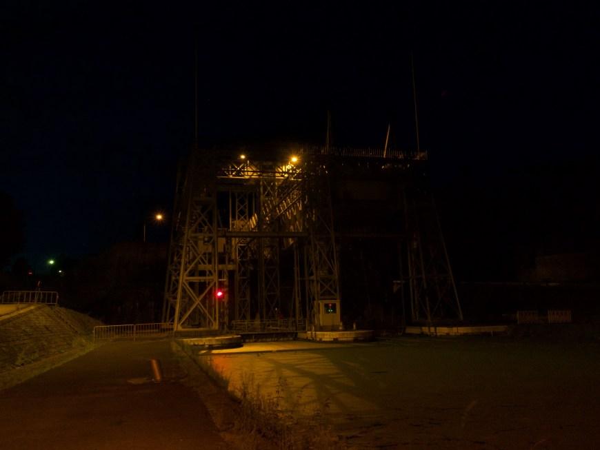 Ascenceur #1 at night.