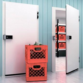 Распашные двери с утепленным блоком общего назначения