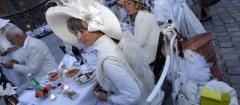 Париж отужинал в белом