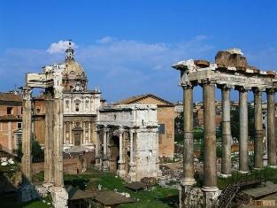 Достопримечательности Рима развозят на сувениры