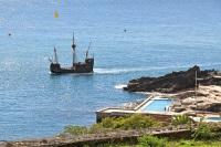 Шхуна Нельсона приглашает желающих прокатиться в водах Гибралтара