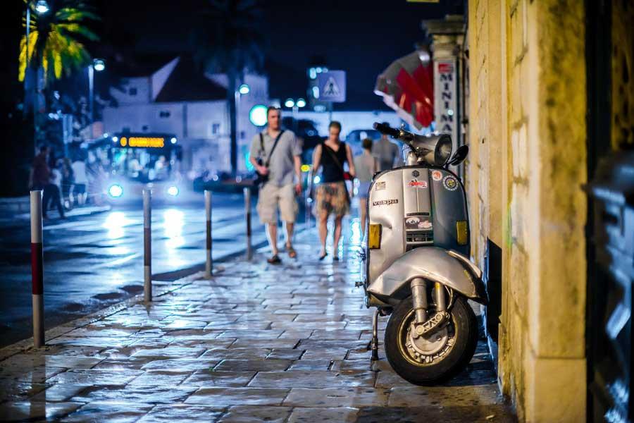 Жители Мальты спокойнее других европейцев гуляют по темным улицам